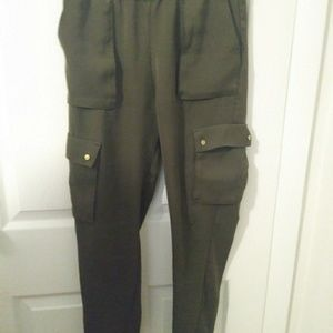 H&M.green cargo pants, size 4